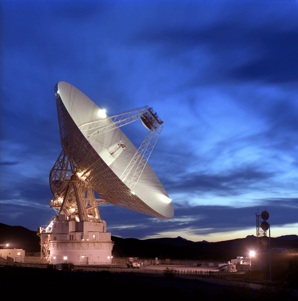 A photgraph of the 70 meter antenna dish at the DSN complex in Goldstone, California
