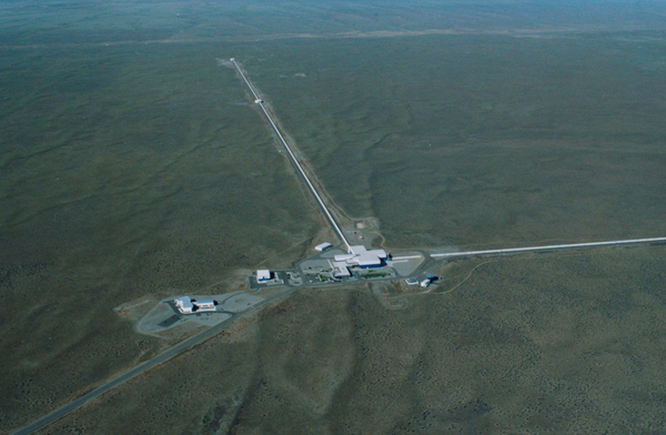 An aerial photo of the LIGO observatory in Hanford, Washington