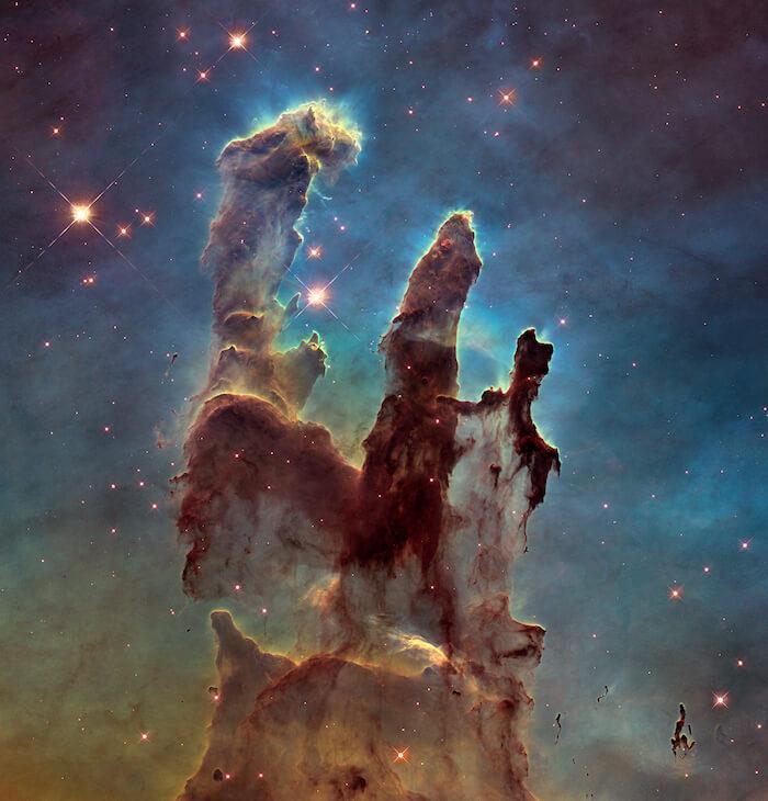 Una imagen de los Pilares de la Creación en la Nebulosa del Águila.