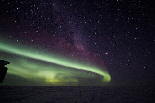 photo of a green aurora