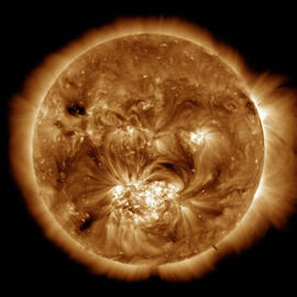 an image showing the loops of the sun's corona